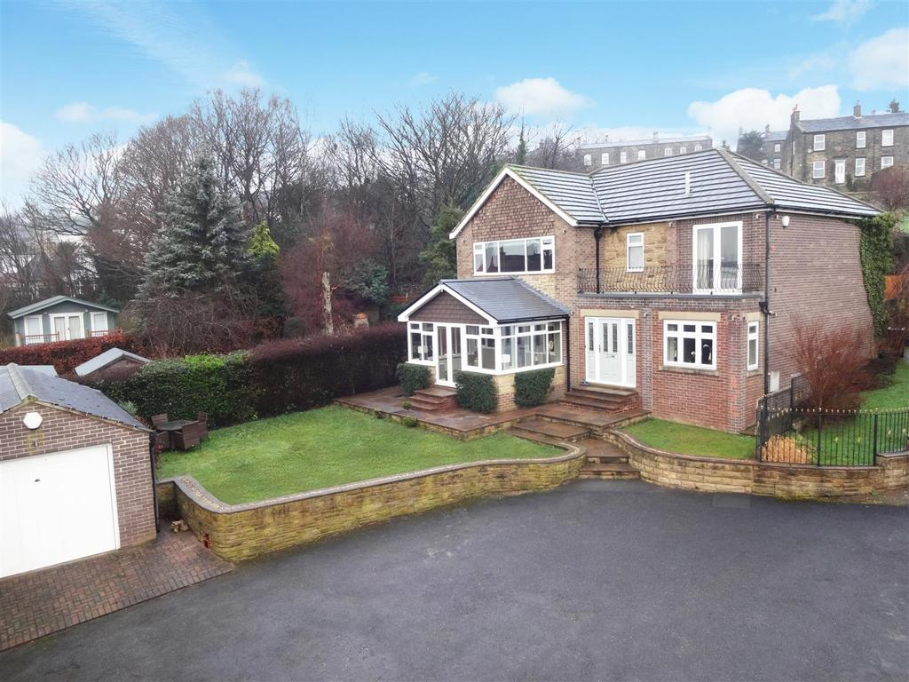 4 Bedrooms Detached House for sale in Carr Lane, Rawdon