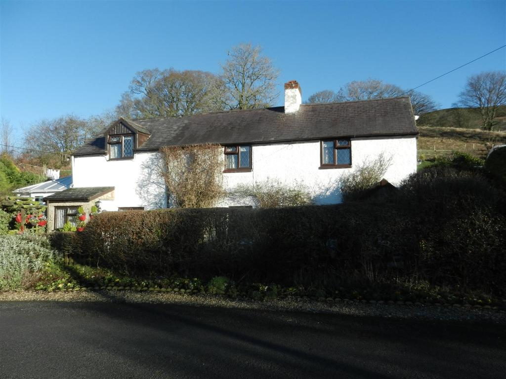 3 Bedrooms Detached House for sale in Pentre Celyn, Ruthin