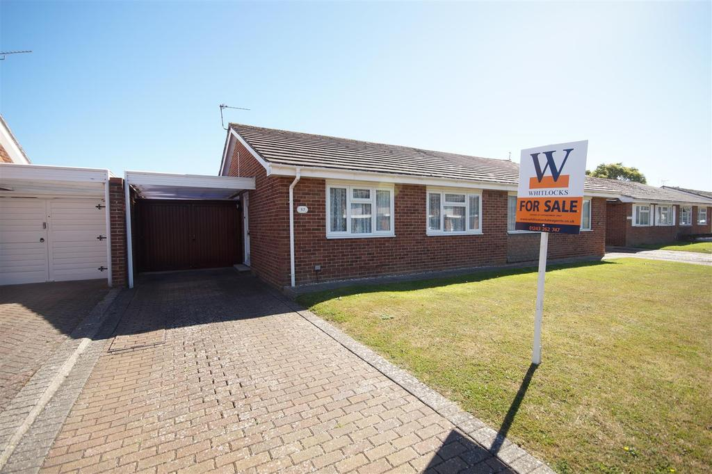 2 Bedrooms Semi Detached Bungalow for sale in The Causeway, Pagham