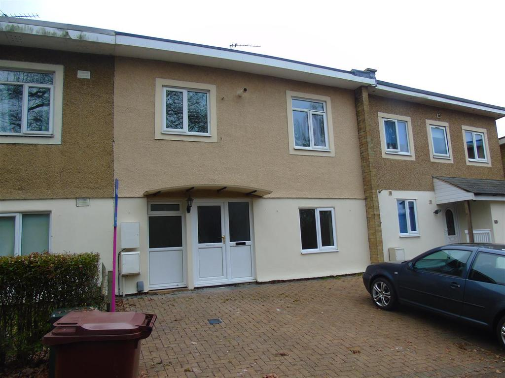 3 Bedrooms Terraced House for sale in Herneshaws, Hatfield