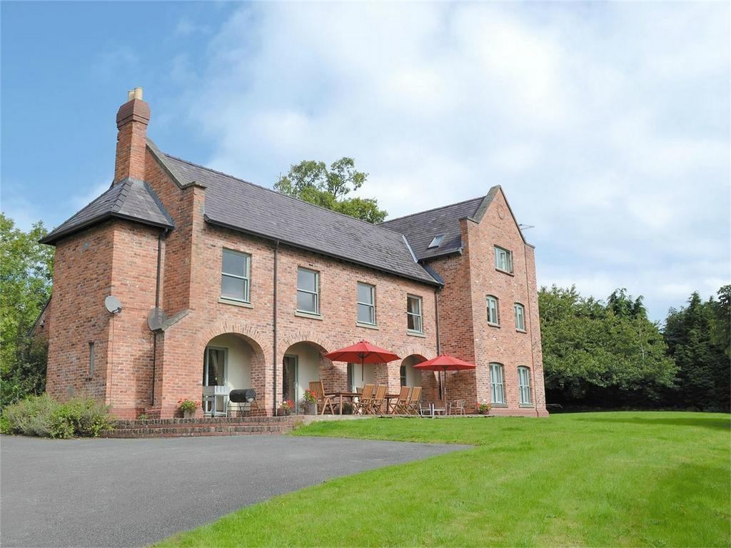 7 Bedrooms Detached House for sale in Guilsfield, Welshpool, Powys