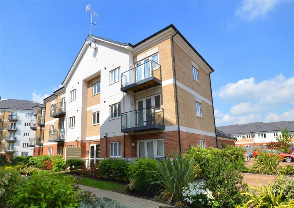 2 Bedrooms Apartment Flat for sale in Oliver Court, Ley Farm Close, Garston, Hertfordshire, WD25