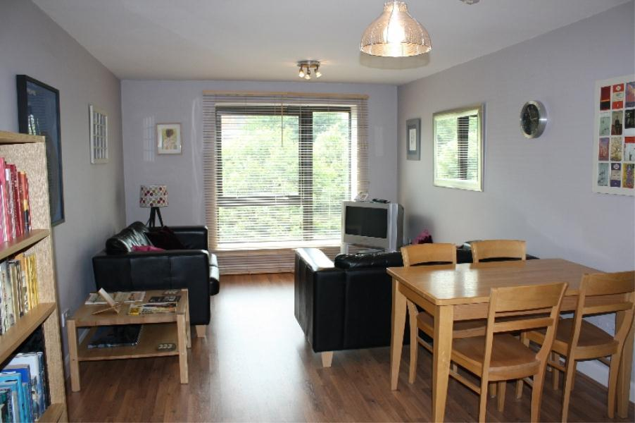 2 Bedrooms Apartment Flat for sale in NORTH POINT, 110 NORTH STREET, LEEDS, LS2 7PQ