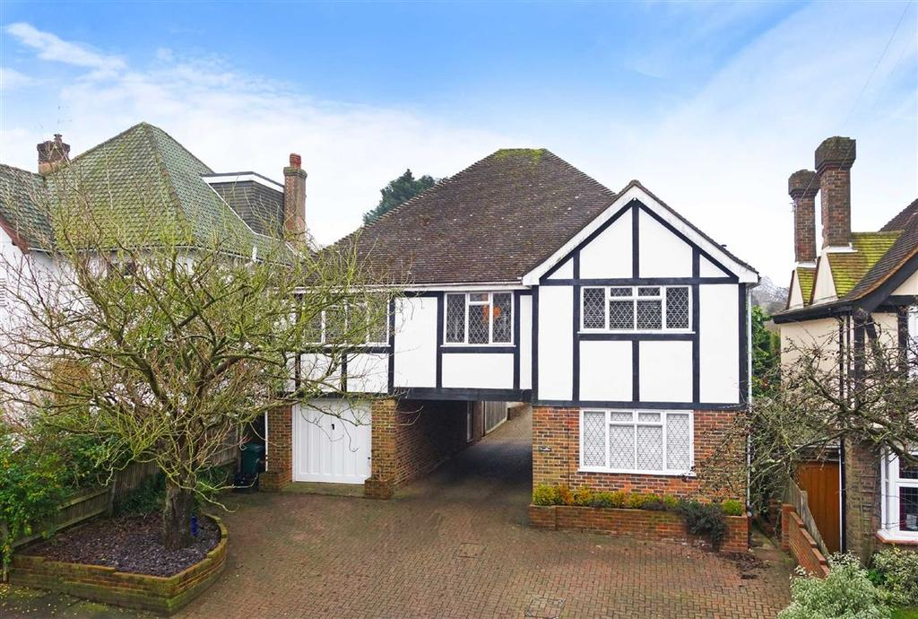 4 Bedrooms Detached House for sale in The Droveway, Hove, East Sussex