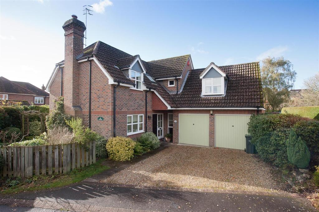 4 Bedrooms Detached House for sale in Salisbury