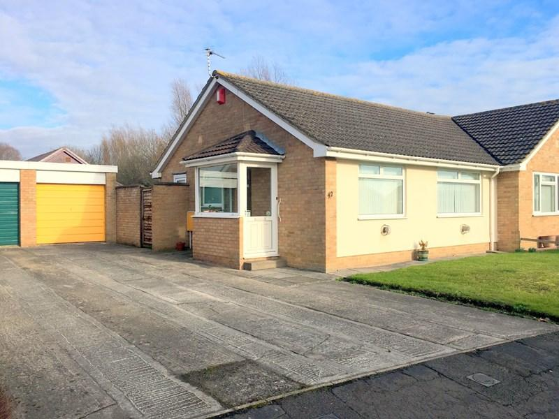 2 Bedrooms Semi Detached Bungalow for sale in Oldway Place, Highbridge