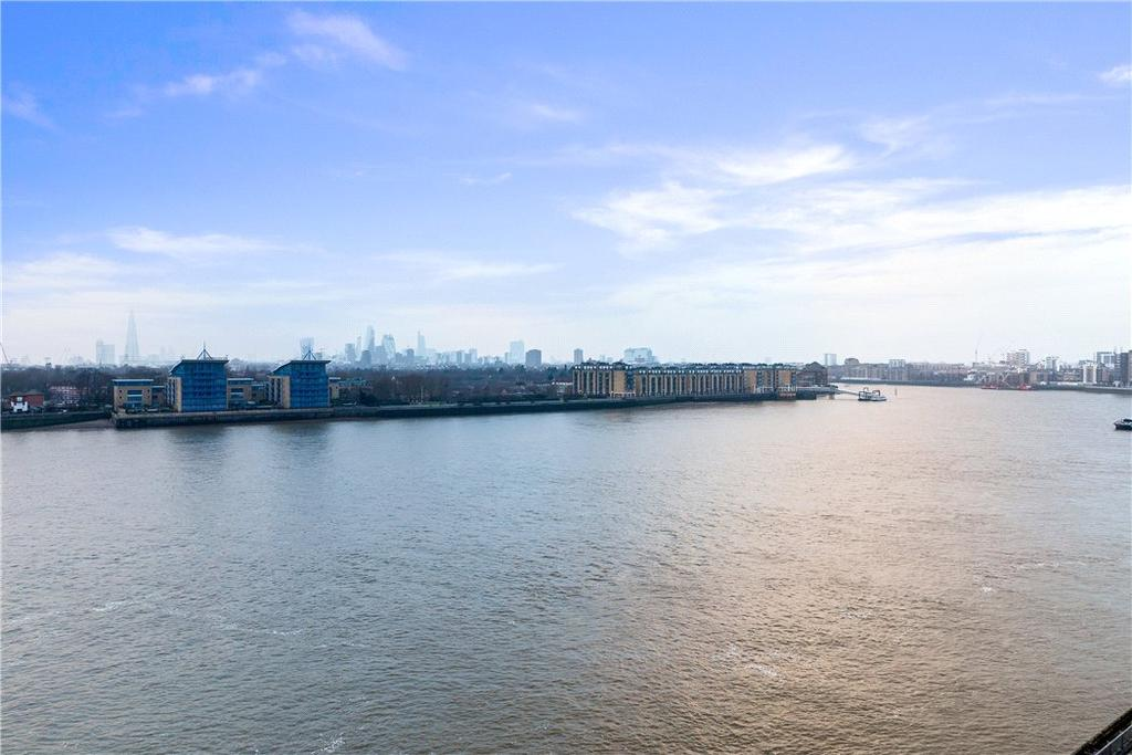1 Bedroom Flat for sale in Seacon Tower, 5 Hutchings Street, Nr Canary Wharf, London, E14