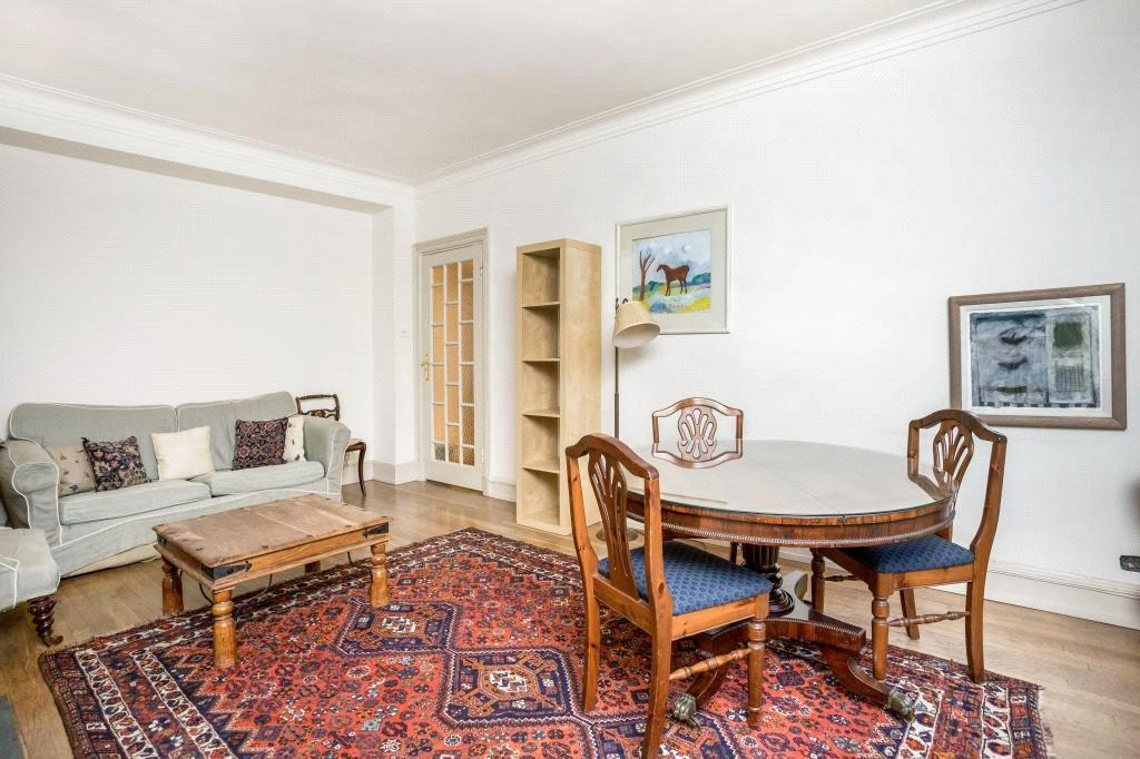 1 Bedroom Flat for sale in Chesterfield House, Chesterfield Gardens, Mayfair, London, W1J