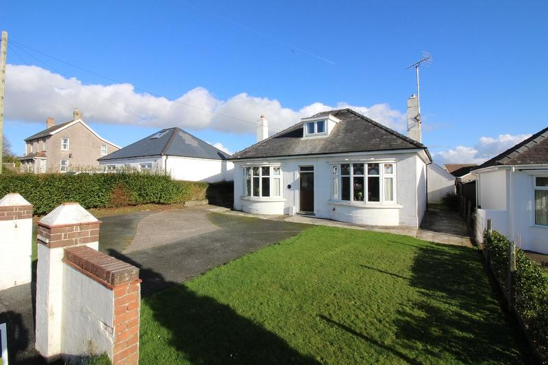 2 Bedrooms Detached Bungalow for sale in Steynton Road, Steynton, Milford Haven, Pembrokeshire. SA73 1AN