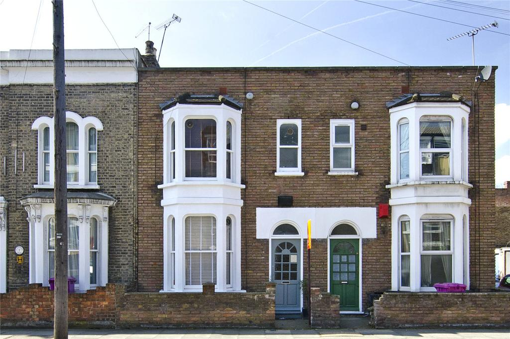 3 Bedrooms House for sale in St. Stephens Road, Bow, London, E3