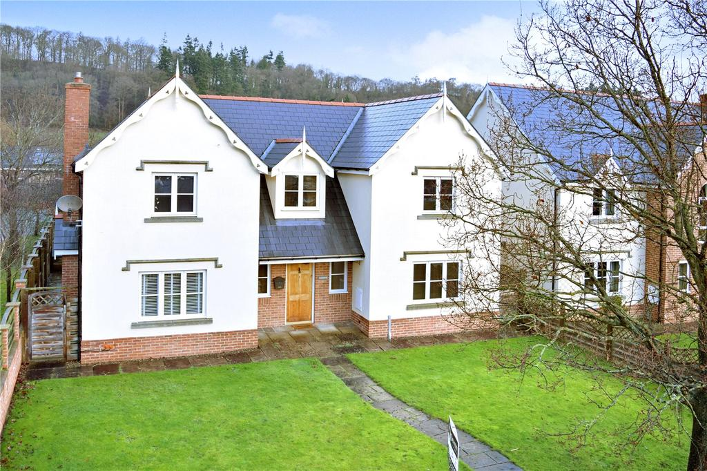 4 Bedrooms Detached House for sale in Guilsfield, Welshpool, Powys