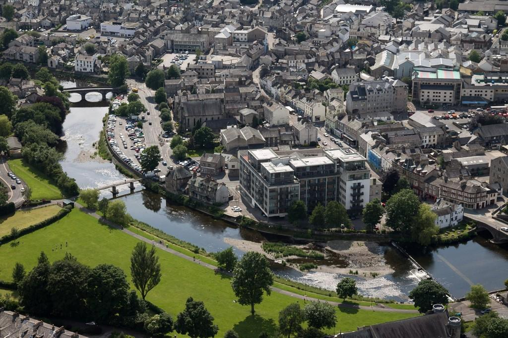 2 Bedrooms Apartment Flat for sale in 512 Sand Aire House, Stramongate, Kendal, Cumbria LA9 4UA