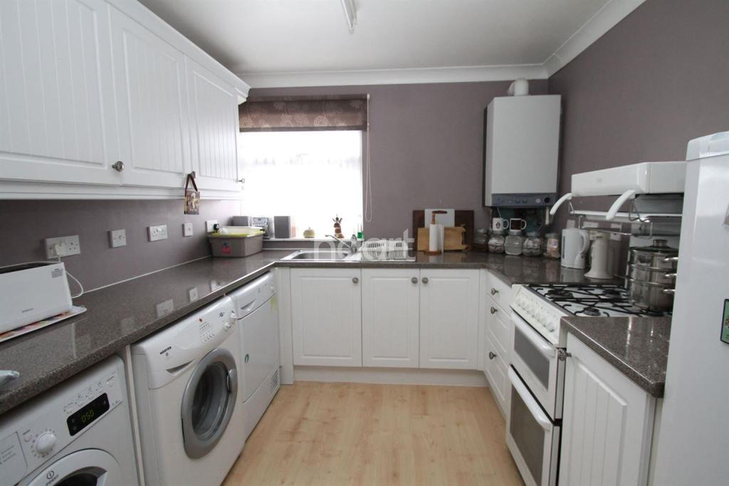 4 Bedrooms Terraced House for sale in Holland On Sea