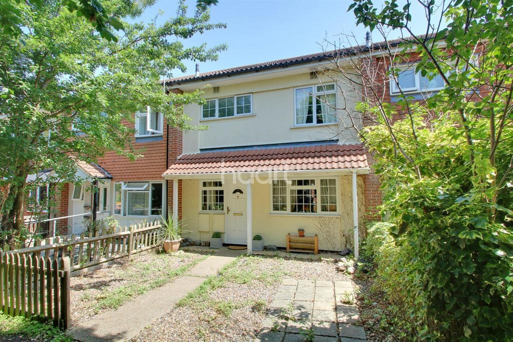 3 Bedrooms Terraced House for sale in Edinburgh Way, Basildon