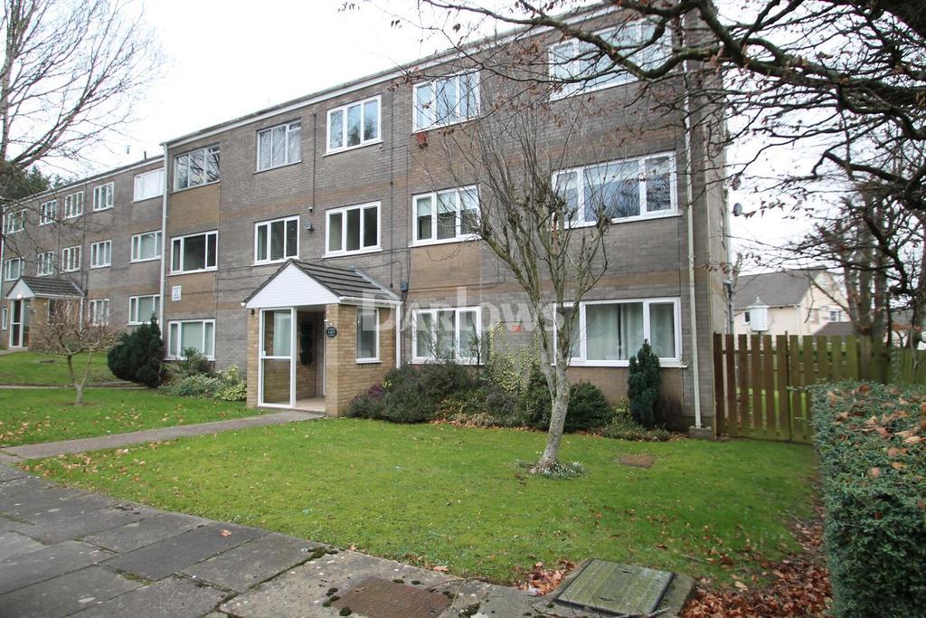 2 Bedrooms Flat for sale in Wentloog Close, Rumney, Cardiff