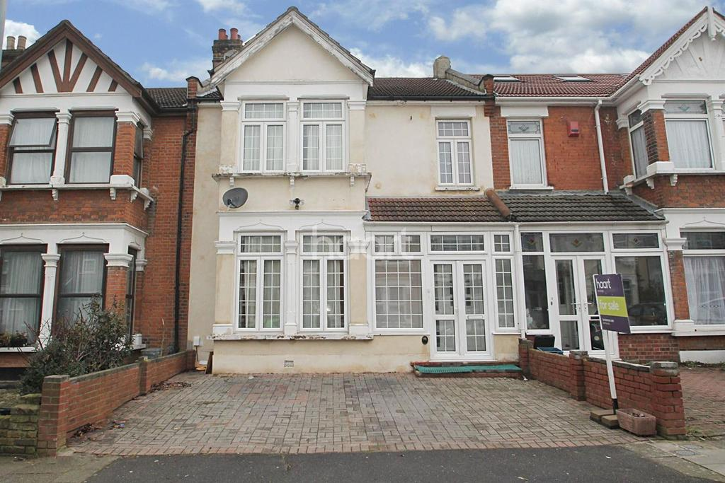 4 Bedrooms Terraced House for sale in Stanhope Gardens, Ilford, Essex