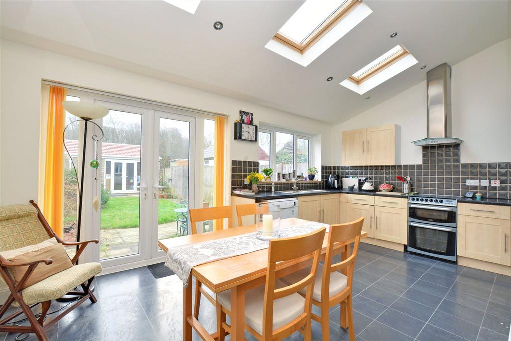 4 Bedrooms Terraced House for sale in Woodside Avenue, Chislehurst, BR7