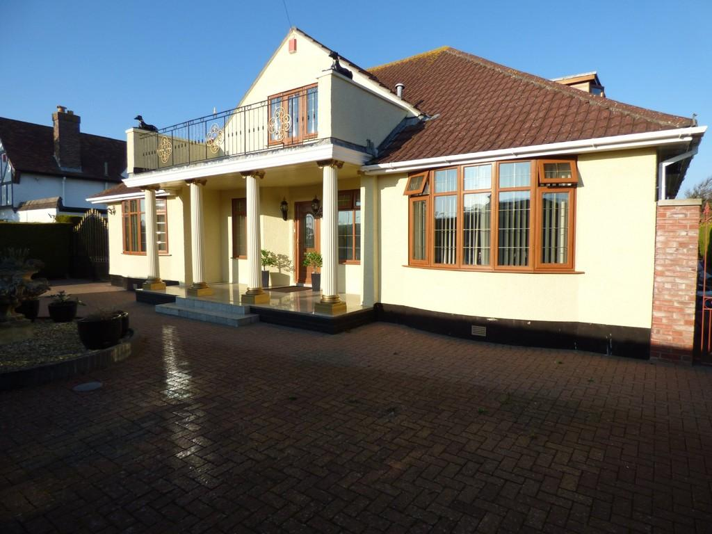 4 Bedrooms Detached House for sale in Broad Oak Road, Weston-super-Mare