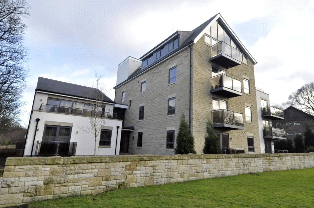 2 Bedrooms Apartment Flat for sale in Flat 15, The Place, 564 Harrogate Road, Alwoodley, Leeds