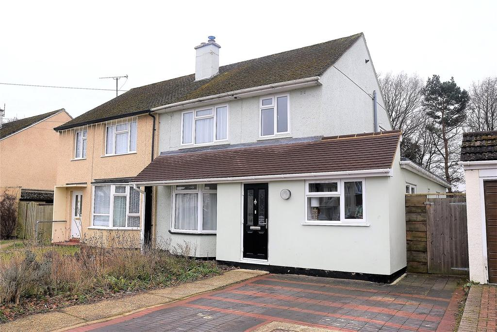 4 Bedrooms Semi Detached House for sale in Priors Road, Tadley, Hampshire, RG26