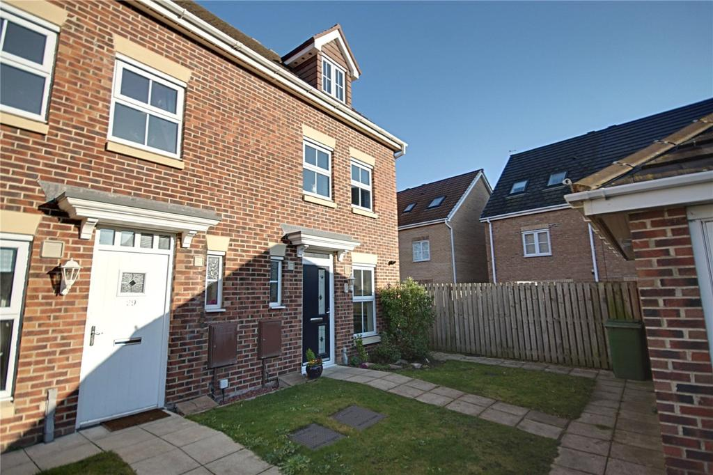 3 Bedrooms Semi Detached House for sale in Hilden Park, Ingleby Barwick