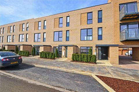3 bedroom terraced house to rent - Whittle Avenue, Trumpington, Cambridge, CB2