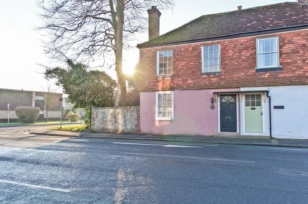 2 Bedrooms Cottage House for sale in Broyle Road, Chichester