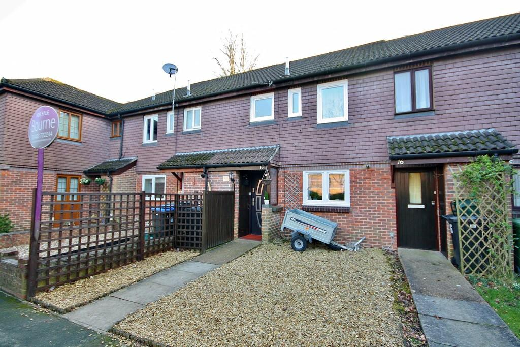 3 Bedrooms Terraced House for sale in Knaphill, Surrey