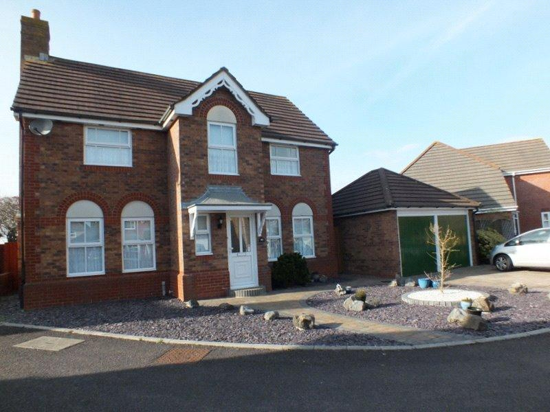 4 Bedrooms Detached House for sale in The Hedges, St Georges, Weston Super Mare, BS22