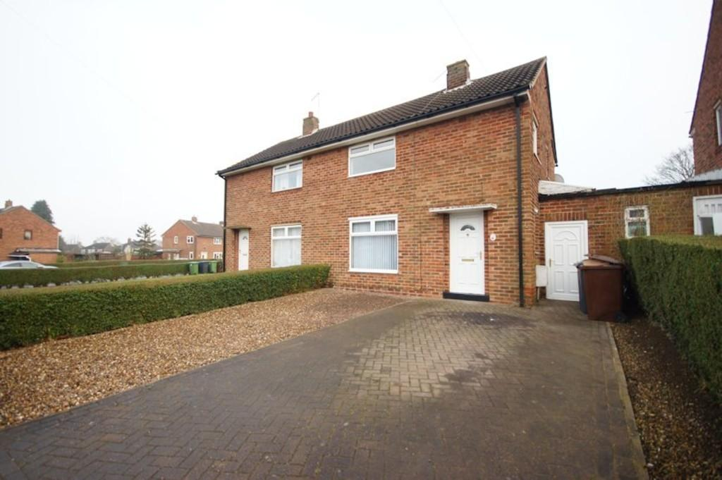 3 Bedrooms Semi Detached House for sale in Willingham Avenue, Lincoln