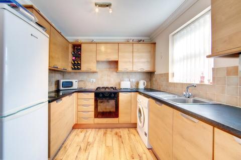 2 bedroom apartment to rent - Spencer Court, Walbottle, NE15