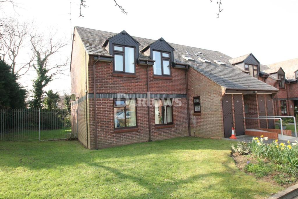 2 Bedrooms Flat for sale in Oakmeadow Court, St Mellons, Cardiff