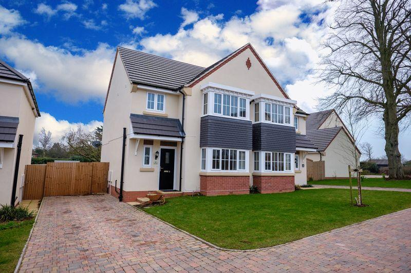3 Bedrooms Semi Detached House for sale in The Limes, Codsall Wood, Wolverhampton