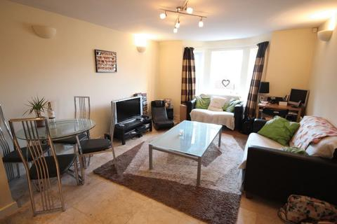 2 bedroom apartment to rent - Station Approach, Kirkstall