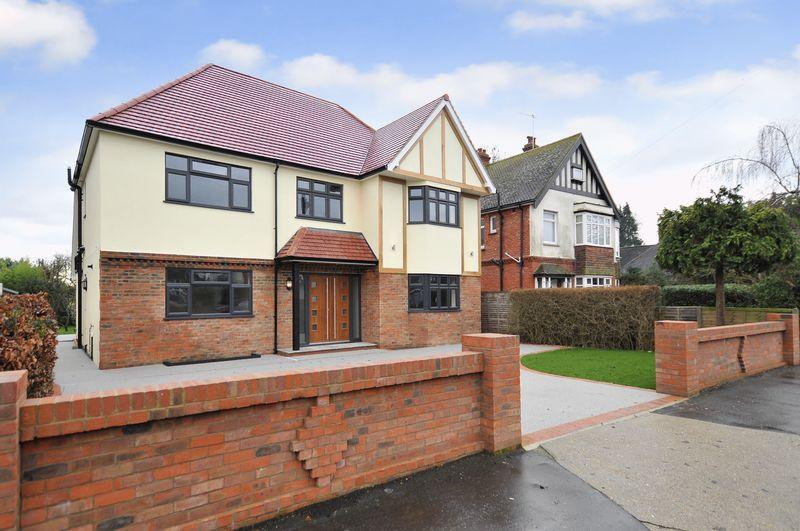 5 Bedrooms Detached House for sale in St. Lawrence Avenue, Worthing