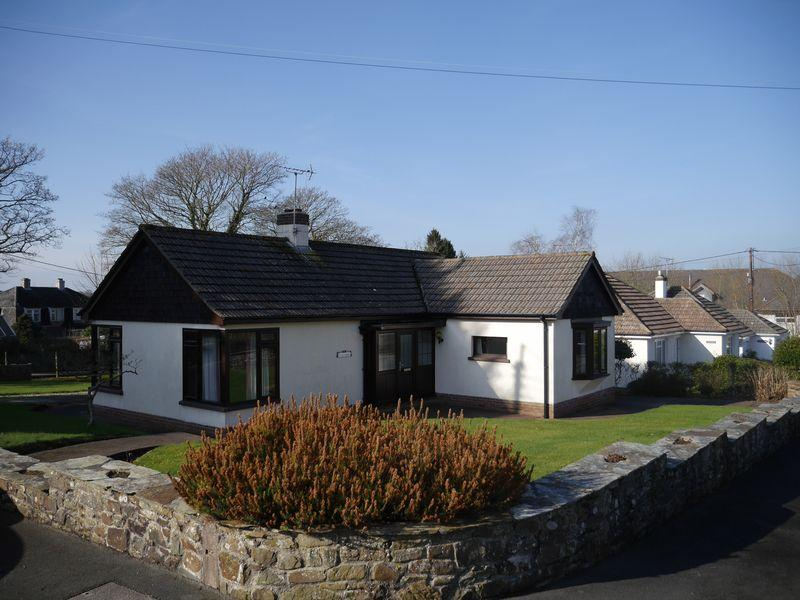 2 Bedrooms Bungalow for sale in Holsworthy