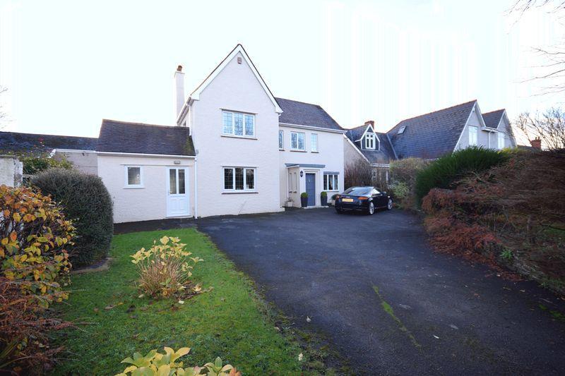 4 Bedrooms Detached House for sale in The Neuk, 43 West Road, Bridgend