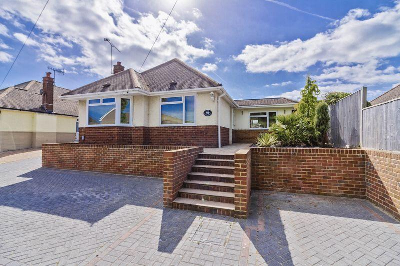 3 Bedrooms Bungalow for sale in Cokeham Lane, Lancing