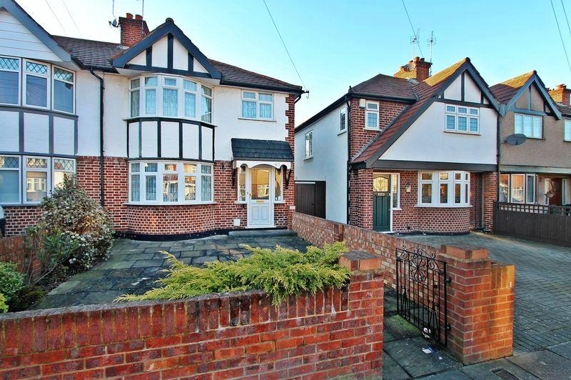 3 Bedrooms End Of Terrace House for sale in Rosedene Avenue, Greenford
