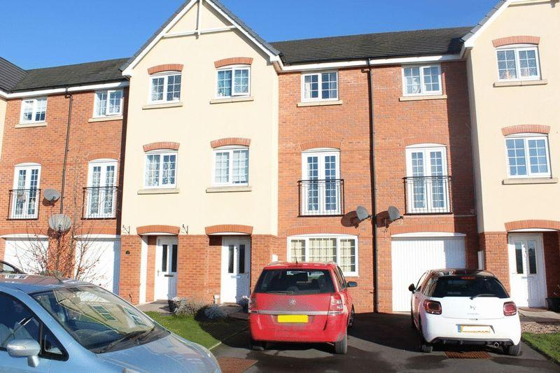 4 Bedrooms Terraced House for sale in Poplar Close, Spring Gardens, Shrewsbury, SY1 2UU