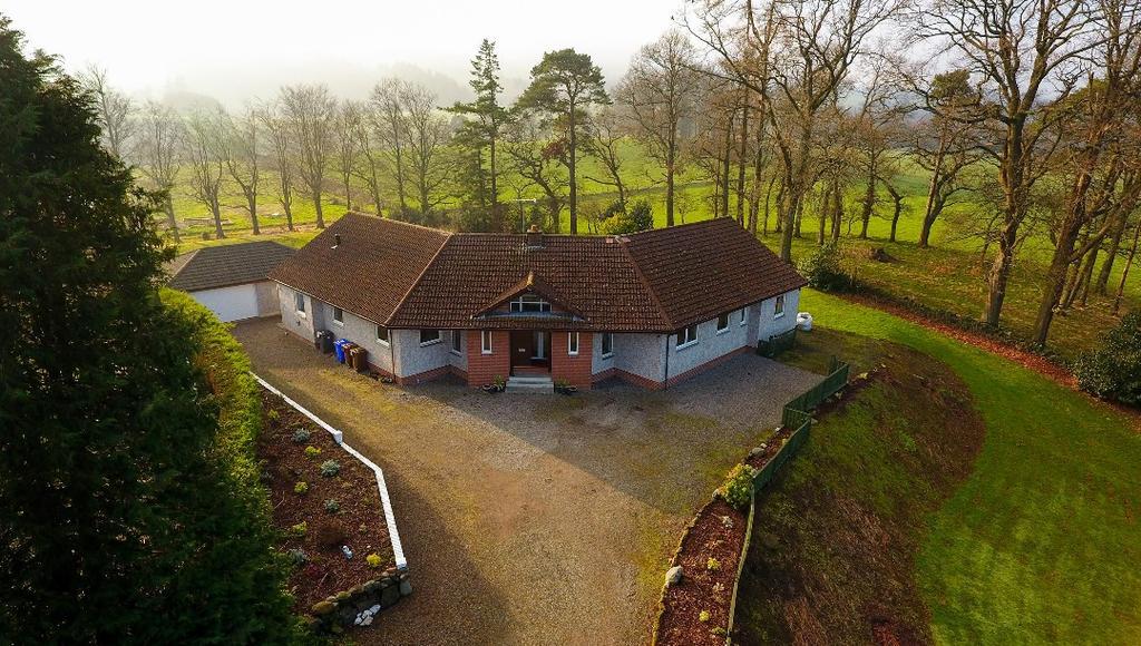 4 Bedrooms Detached Bungalow for sale in Main Street, Gargunnock, Stirling, FK8 3BP