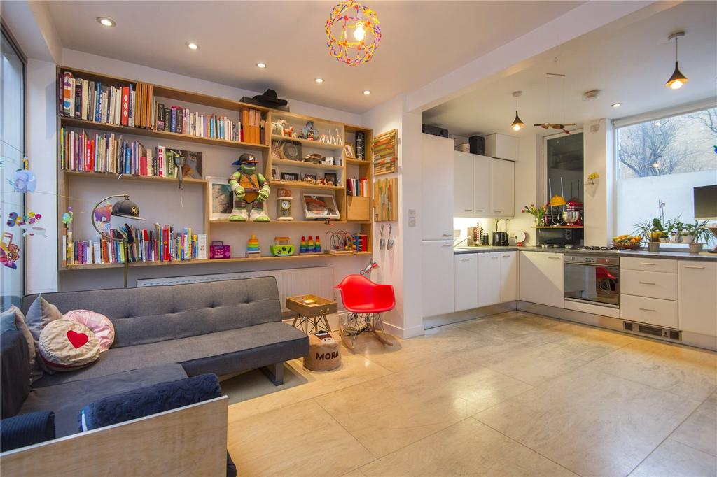 2 Bedrooms Terraced House for sale in Wick Road, London, E9