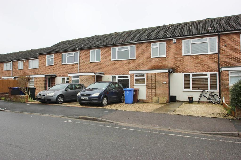 3 Bedrooms Terraced House for sale in Keble Road, Bicester OX26