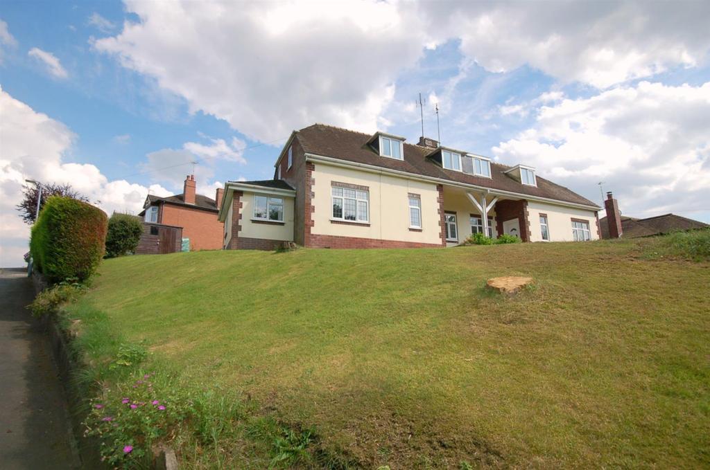 2 Bedrooms Semi Detached House for sale in Lawton Avenue, Church Lawton