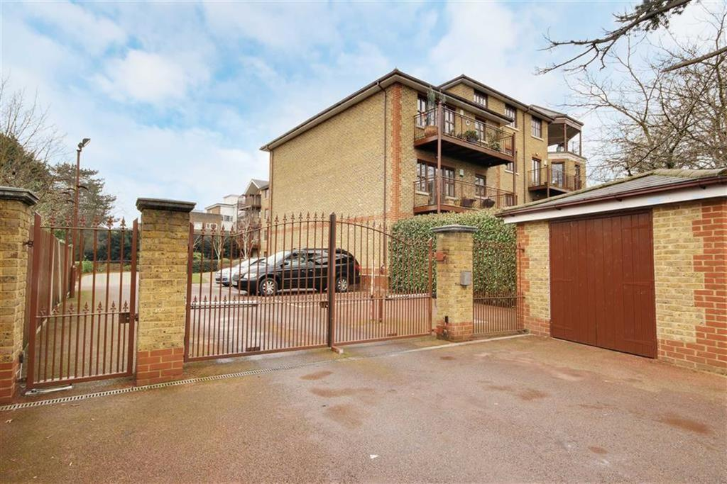 2 Bedrooms Flat for sale in Green Dragon Lane, Winchmore Hill, London