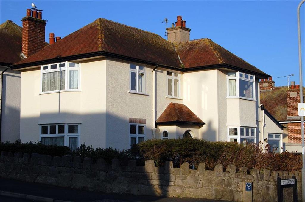 3 Bedrooms Detached House for sale in Elwy Gardens, Llandudno, Conwy