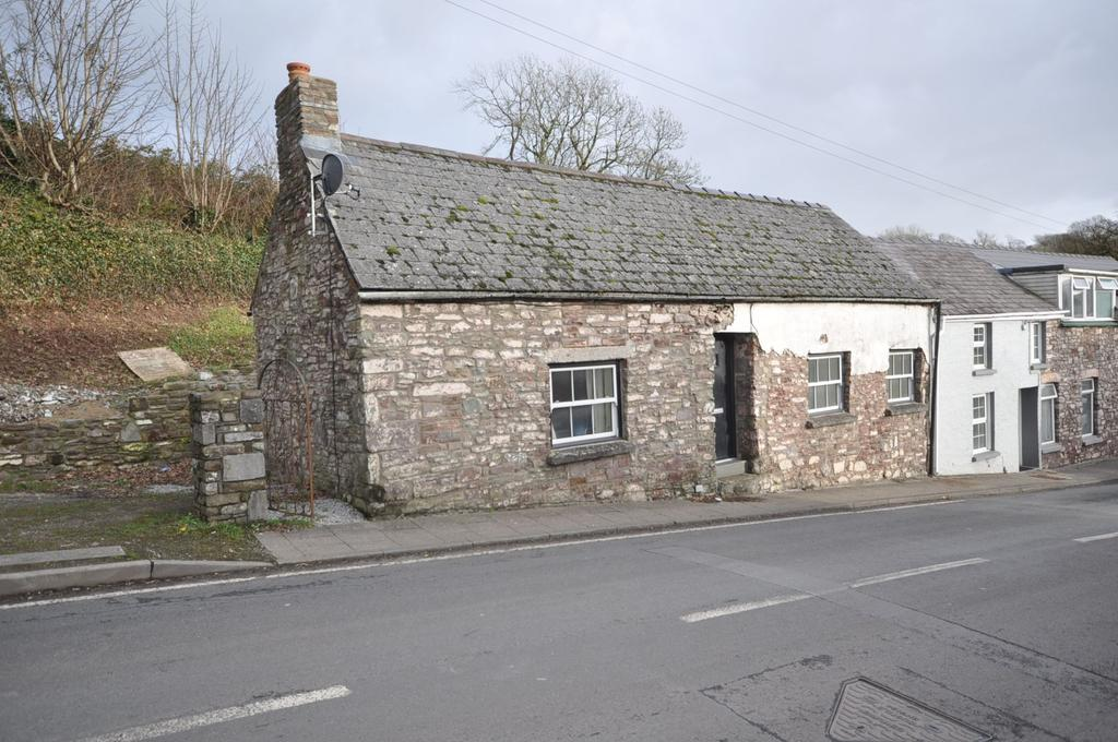 2 Bedrooms Barn Character Property for sale in 1 Church Street, Laugharne, SA33 4QH