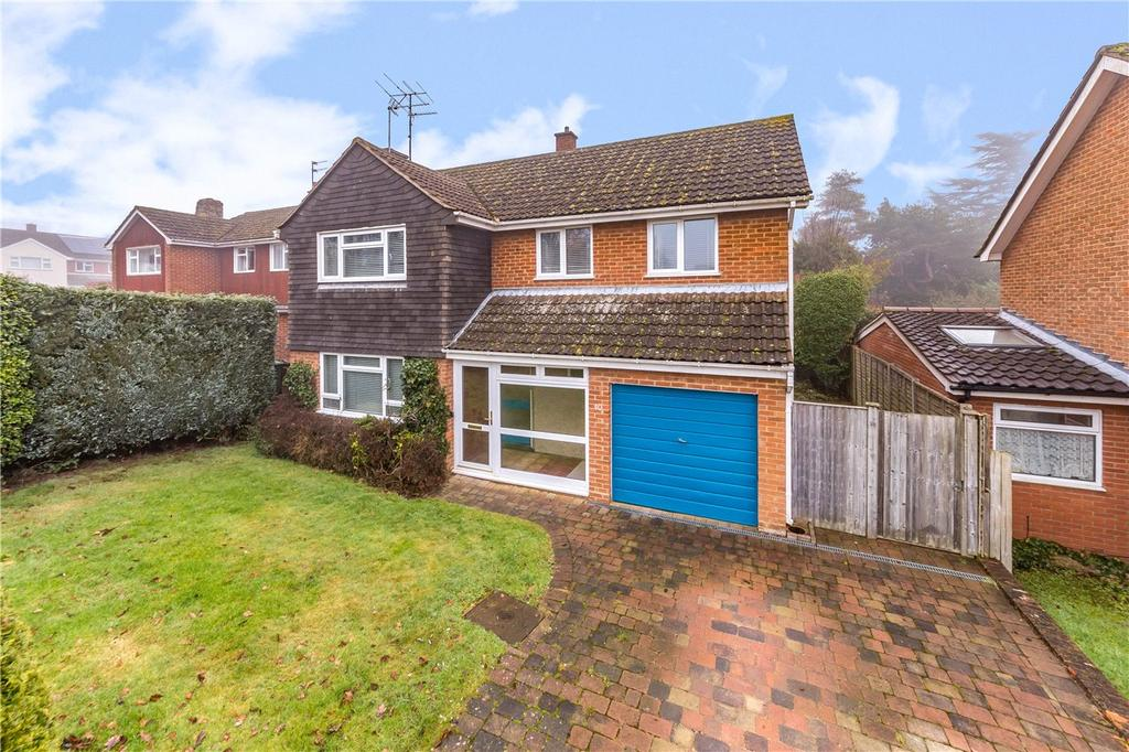 4 Bedrooms Detached House for sale in Pondwick Road, Harpenden, Hertfordshire