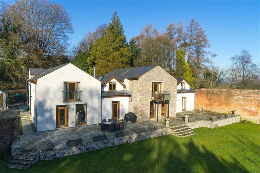 5 Bedrooms Detached House for sale in High Biggins