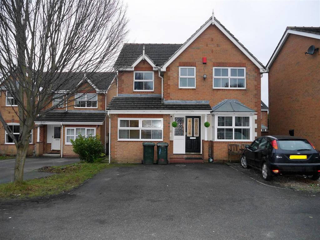 4 Bedrooms Detached House for sale in Crestwood Close, Bradford, BD5 8AG